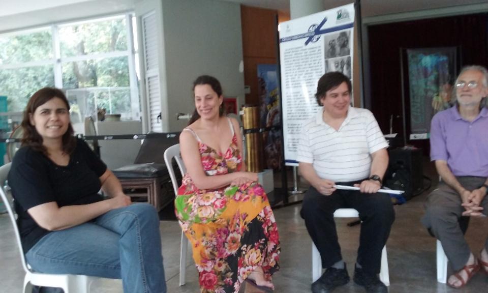 Las imagen corresponde a un encuentro sobre Discapacidad en el Hall del Planetario, donde están Lorena Dirani, Paulina Grossi, Alejandro Paola y Eduardo Tolosa.